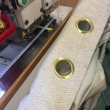 [ Uniques et sur-mesure ] Choisissez le tissu que vous aimez, sa matière et sa couleur, sélectionnez la doublure qui répondra à votre besoin, optez pour une finition qui vous ressemble, donnez-nous les mesures de votre fenêtre et nous nous occupons du reste. En 3 à 4 semaines (parfois moins), vous recevez vos rideaux, spécialement confectionnés pour vous, dans nos ateliers en Mayenne. #manufacturetoilesdemayenne #tissagetoilesdemayenne #rideauxtoilesdemayenne #rideaux #rideau #surmesure #rideauxsurmesure #colorthérapie #savoirfairefrançais #epv #upholstery #décorationintérieure #decoration #homedecor #homeinspiration #home #homesweethome #interiorliving #architectureintérieure #êtrebienchezsoi